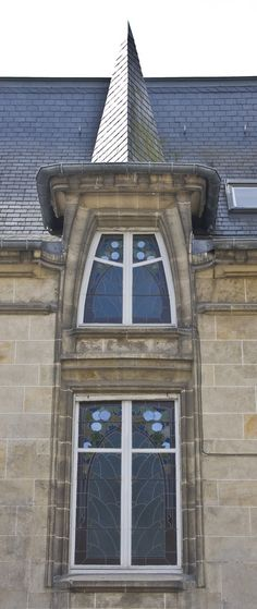 French Windows, Rue, Home