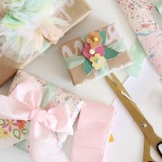 Pretty gift wrapping ideas perfect for spring time gifts