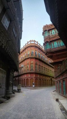 Rampuria Haveli, Bikaner - a unique mix of Mughal and Victorian architecture. This haveli was constructed in the 15th century for Balujee Chalva. Taken from the article - Bikaner Travel Guide   Things to do in Bikaner, Rajasthan