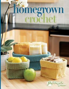 Crochet Storage Basket--good idea for stashing my yarn! Use this free beginner crochet pattern to create these handy baskets that can be used to store any number of household objects. Crochet Amigurumi, Crochet Yarn, Free Crochet, Beginner Crochet, Simple Crochet, Crochet Home, Crochet Crafts, Yarn Crafts, Crochet Kitchen