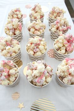 Buttery, salty popcorn - good Pretzels - good M&M's - good Melted white chocolate - good Put it all together and BOO-YA! The perfec. Dessert Party, Pink Dessert Tables, Gold Dessert, Party Desserts, Wedding Desserts, Wedding Favors, Party Favors, White Chocolate Popcorn, Pink Chocolate