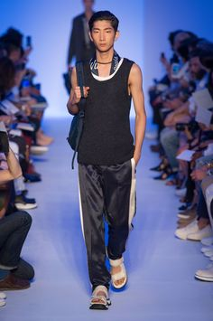 Louis Vuitton SpringSummer 2016 Collection - Paris Fashion Week - DerriusPierreCOm (23)