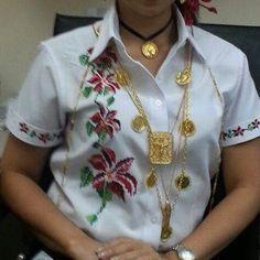 Camisa de flores, marcada #MaterialesAngie #vestidosestilizados #pollera #Panamá #panamagram #panama - materialesangie