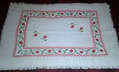 Handmade by Domi: Obrus z różyczkami