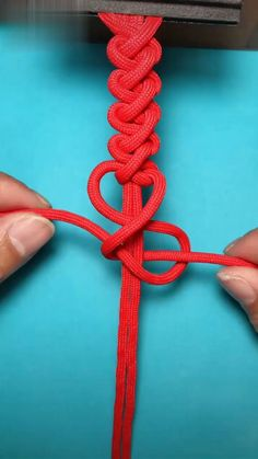 Super Easy DIY Braided Bracelet Craft for School Macrame Bracelet Patterns, Diy Friendship Bracelets Patterns, Diy Bracelets Easy, Bracelet Crafts, Braided Bracelets, Macrame Patterns, Macrame Bracelets, Lanyard Crafts, Shoelace Bracelet