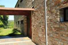 Modern loft country house with pool, a few km from Coruna and the beach - Abegondo Spanish Modern, Comfortable Living Rooms, Modern Loft, Pool Houses, Swimming Pools, Smoke, Country, Beach, Swiming Pool