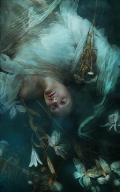 """""""Ophelia"""" — Photographer: Ullision Photography Model: Miss REdreaming Dark Photography, Underwater Photography, Photography Magazine, Editorial Photography, Foto Fantasy, Fantasy Art, Dark Beauty Magazine, Girl In Water, Arte Horror"""