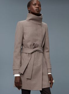 Babaton DARWIN COAT | Aritzia 75% wool, 20% nylon, 5% cashmere; Lining:100% cupro; Pocket lining: 100% cotton; Interlining: 94% polyester, 6% spandex