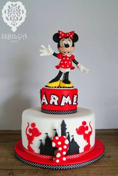 Minnie Mouse Birthday Cake made by Isbilya Cakes