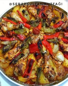 BiriIt is one of the easiest recipes to prepare for me. It doesn't take half an hour to prepare the meal. The flavor is great UK 🌿FIRINED VEGETABLE CHICKEN Thanks to @ serapsultanmutfagi, the recipe owner. Meat Recipes, Chicken Recipes, Cooking Recipes, Kids Meals, Easy Meals, Turkish Recipes, Ethnic Recipes, Good Food, Yummy Food