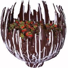 Inspiration: make a chocolate lace bowl using a balloon for a mold. Fill with chocolate dipped strawberries.Or other chocolate dipped fruit if you happen to be allergic to strawberries like me. Chocolate Art, How To Make Chocolate, Chocolate Desserts, Chocolate Sprinkles, Valentine Chocolate, Just Desserts, Dessert Recipes, Chocolate Dipped Strawberries, Chocolate Decorations