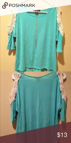 Teal flowy pastel top 💕 Super cute flowy top with cut out shoulders. Good condition just a little wrinkly. 🙃 bundle with the orange 🍊 one maybe??? 😘😘 S but fits like a S/M. Tops Blouses