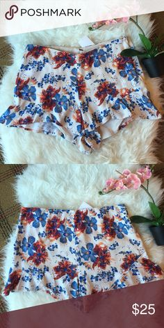 NWT Free people short Beautiful floral print short. Super comfortable. Price is firm unless bundles Free People Shorts