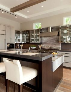 Just the right contemporary Kitchen furniture can make quite a difference both in comfort and eye appeal. See these kitchen furniture picks for ideas. Kitchen Room Design, Kitchen Layout, Home Decor Kitchen, Interior Design Kitchen, Kitchen Furniture, Kitchen Ideas, Rustic Kitchen, Diy Kitchen, Barn Kitchen
