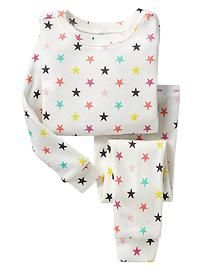 Shop Gap for comfortable and adorable baby girl pajamas. Find pajamas sets for baby girls, footed one-piece styles and robes in a variety of colors and prints. Kids Nightwear, Cute Sleepwear, Baby Girl Pajamas, Girls Pajamas, Baby Girl Shoes, My Baby Girl, Toddler Girl Outfits, Boy Outfits, Pyjamas