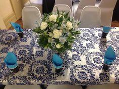 blue arrangemente centerpiece