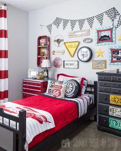 Car themed Bedroom Accessories Elegant the Ultimate Diy Cars Bedroom – Sunny Side Design Cars Bedroom Set, Disney Cars Bedroom, Boys Car Bedroom, Vintage Car Bedroom, Car Themed Bedrooms, Boys Bedroom Decor, Bedroom Themes, Home Bedroom, Dream Bedroom