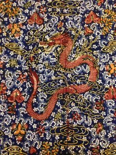 Hand-drawn Batik Lasem by the maestro Sigit Witjaksono. The motives are dragon which symbolize wealth and power. Private collection of Arief Laksono.