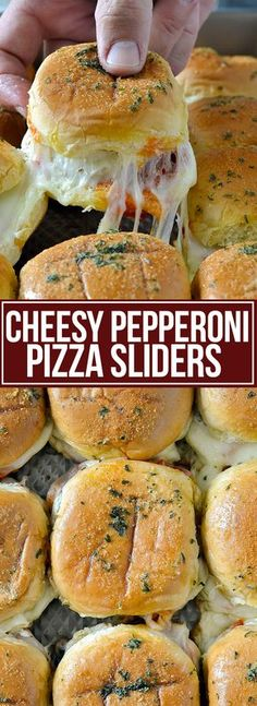 Pepperoni Pizza Sliders With Cheese. Quick Pepperoni Pizza Sliders With Cheese coated with very tasty garlic butter. Recipes for Dinner Easy, for the family. Appetizer Recipes, Appetizers, Sandwich Recipes, Sandwich Ideas, Pizza Recipes, Sandwich Bar, Sandwich Spread, Bread Recipes, Pepperoni Recipes