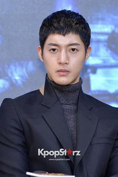 Kim Hyun Joong's Parents Appear At Court Hearing And Deny Claims Of Ex-Girlfriend's Pregnancy - http://imkpop.com/kim-hyun-joongs-parents-appear-at-court-hearing-and-deny-claims-of-ex-girlfriends-pregnancy/