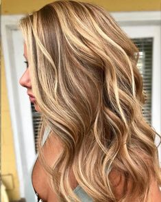 70 Stunning Long Blonde Hair Color Ideas For Spring & Summer – Page 50 of 70 – Chic Hostess - All For Hair Color Balayage Brown Hair With Highlights And Lowlights, Balayage Highlights, Hair Color Balayage, Blonde Hair With Brown Highlights, Hilights And Lowlights, Haircolor, Blonde Balayage Honey, Carmel Highlights, Short Balayage