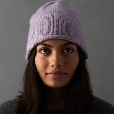 Ravelry: Essential Hat, Mitten + Hand Warmer Set pattern by Purl Soho Beanie Knitting Patterns Free, Mittens Pattern, Free Knitting, Knitting Ideas, Knitting Projects, Sock Knitting, Knitting Tutorials, Beanie Pattern, Knitting Machine