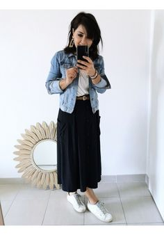 Discover recipes, home ideas, style inspiration and other ideas to try. Midi Rock Outfit, Midi Skirt Outfit, Black Midi Skirt, Skirt Outfits, Dress, Winter Fashion Casual, Spring Fashion, Fashion Outfits, Womens Fashion