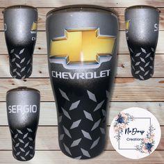 Diy Tumblers, Painted Mugs, Tumbler Designs, Personalized Cups, Oklahoma Sooners, Tumbler Cups, Vinyl Designs, Resin Crafts, Epoxy