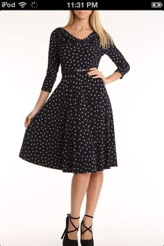 Love this fashion! Totally vintage style!