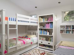 Palm Beach Tower - a dream home that suits every taste Kid Beds, Bunk Beds, Girl Room, Girls Bedroom, Ideas Geniales, Kids Decor, Home Decor, City Living, Palm Beach