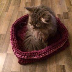 Katzenkörbchen aus Stoffresten