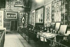 1922 Indian Market Display. Palace of Gov's Archives. http://santafeselection.com/blog/2013/08/20/santa-fes-indian-market/