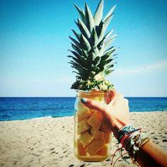 Empieza el día tomando decisiones saludables y siéntete Fruitastic !!! Miércoles healthy #momentosmiaconfitura #miaconfituraswimwear para la #recolectorademomentos #sunlover #healthychoices