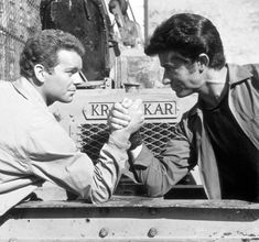 Russ Tamblyn and George Chakiris on the set of West Side Story. West Side Story Movie, West Side Story 1961, Old Hollywood Stars, Classic Hollywood, Hollywood Men, My Fair Lady, Old Movies, Great Movies, William Shakespeare