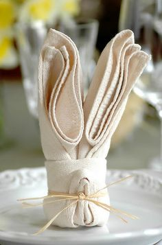 1000 images about napkin folding on pinterest napkins napkin folding and cloth napkins - Fold bunny shaped napkin ...