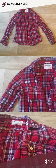 Plaid Flannel super cute red, navy, and white flannel from Aeropostale! Like new! everyone needs a flannel in their closet! great to wear with jeans and leggings(both which can be found in my closet😉) or layer it with something!😊💖 (price is negotiable so make some offers!)💥 Aeropostale Tops Button Down Shirts