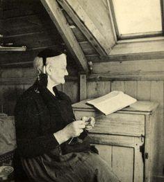 The original multi-tasker, 1939 Print Iceland