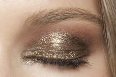 #eye #makeup #gold #shimmer #glitter #pretty