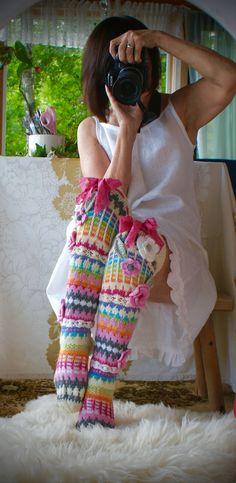 Crochet Socks Pattern, Crotchet Patterns, Crochet Slippers, Knit Crochet, Knit Mittens, Knitting Socks, Hand Knitting, Crochet Leg Warmers, Sock Crafts