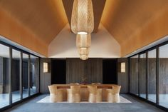 Continuing its thoughtful search for design authenticity, Kerry Hill Architects has created a destination resort in Japan that stays true to local traditions and steps up to the expectations of the luxury-minded traveller. Architecture Awards, Interior Architecture, Home Interior, Interior Design, Plafond Design, Hotel Lobby, Hospitality Design, Design Hotel, Ceiling Design