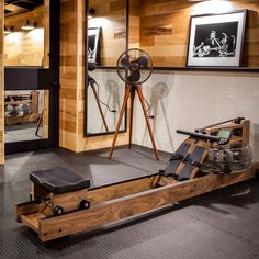 Stylish WaterRower suited to any environ Home Gym Set, Home Made Gym, Diy Home Gym, Gym Room At Home, Yoga Studio Home, Home Gym Garage, Indoor Rowing, Gym Interior, Home Gym Design