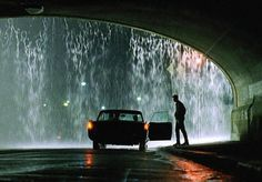 Some movie stills are so iconic. If you appreciate movies like I do and if you like filmmaking and cinematography you can really appreciate a superb and timeless shot. Here we go with 70 stunning iconic movie shots. Beau Film, Dark City, Reservoir Dogs, Cinematic Photography, Film Photography, Cinema Paradisio, Thelma Et Louise, Movie Screenshots, Movie Shots