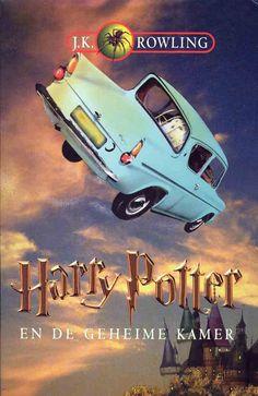 """Harry Potter en de Geheime Kamer"" - Dutch cover for ""Harry Potter and the Chamber of Secrets"" Rowling Harry Potter, Harry Potter Book 8, Hp Book, Book Writer, Harry Porter, Book Outlet, Chamber Of Secrets, Cool Books, The Secret Book"