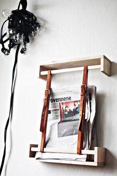 IKEA shelves and vintage belts. Prestatgeries de l'IKEA i cinturons vells