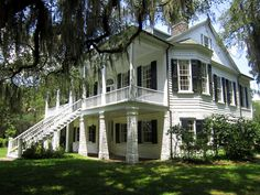 Grove Plantation House, i would love this on 30+ acres near the coast! New Orleans Plantation Tours, Plantation Homes For Sale, New Orleans Plantations, Tours New Orleans, Southern Plantation Homes, Southern Plantations, Plantation Houses, Abandoned Plantations, Old Southern Homes