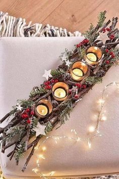 Candlestick The Advent wreath sweetens us the waiting time for Christmas and is indispensable in terms of Christmas decorations. Discover great Advent wreaths – whether classic Advent wreath or modern Advent wreath – here you will find it! Christmas Advent Wreath, Handmade Christmas Decorations, Easy Christmas Crafts, Christmas Mood, Christmas Centerpieces, Thanksgiving Decorations, Rustic Christmas, Xmas Decorations, Advent Wreaths