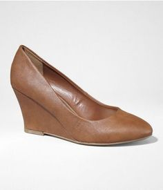 POINTED TOE WEDGE | Express - perfect little work wedge :)