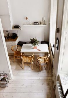 Small dining rooms and areas are inherently a lot more difficult to design than compact bedrooms and tiny living spaces. Turn a small dining room into a focal point of your house with these tips and tricks. Simple style and… Continue Reading → Minimalism Interior, Small Spaces, Interior, Dining Room Small, Home, Dining Room Design, House Interior, Interior Design, Home And Living