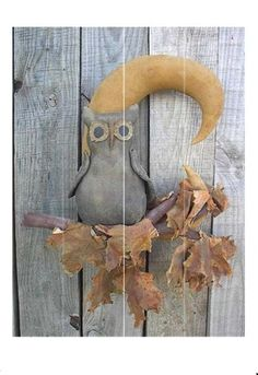 Primitive Owl On Branch With Moon Free Pattern Primitive Autumn, Primitive Pumpkin, Primitive Folk Art, Primitive Crafts, Fall Patterns, Sewing Patterns Free, Free Pattern, Stuffed Animal Patterns, Diy Stuffed Animals