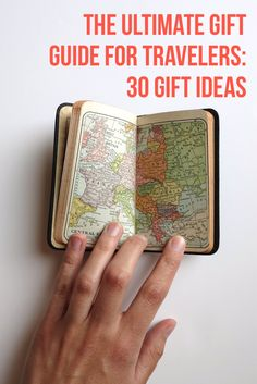 Here's the Ultimate Gift Guide for Travelers: 30 Gift Ideas! #travel #xmasshopping #giftideas #gifts #traveling  via @LiveLearnVentur